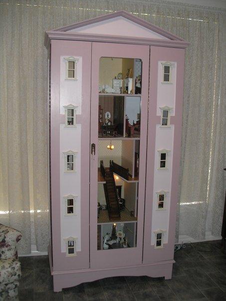 un couple trouve une armoire d occasion des plus banales regardez ce qu ils en ont fait. Black Bedroom Furniture Sets. Home Design Ideas