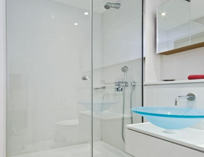 J\'avais l\'habitude d\'éviter de nettoyer la douche, mais cette ...