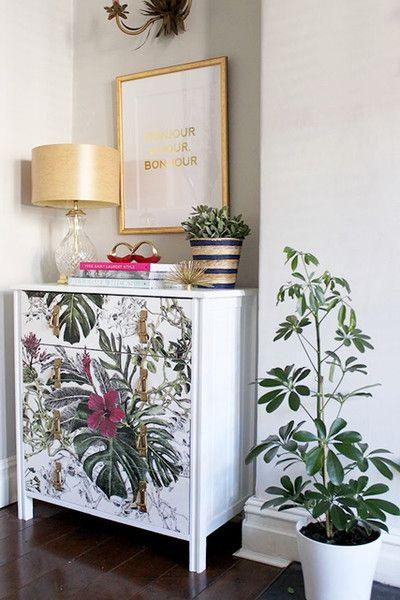 d corer ses vieux meubles avec des restes de papier peint. Black Bedroom Furniture Sets. Home Design Ideas