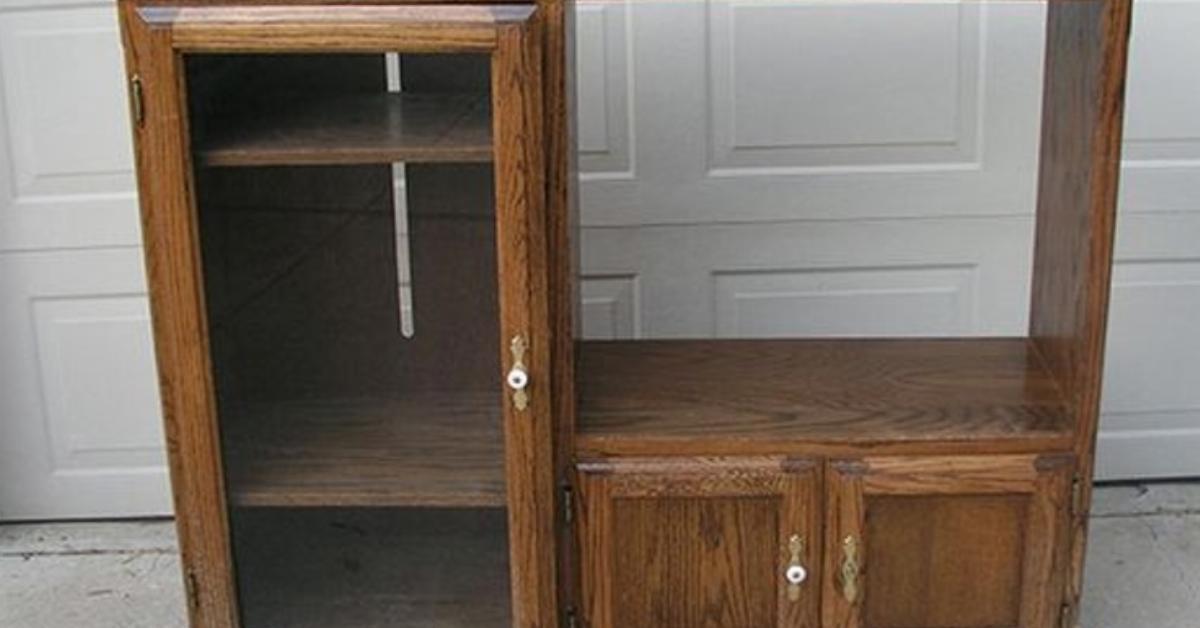 du neuf avec du vieux un meuble tv se transforme en kitchenette. Black Bedroom Furniture Sets. Home Design Ideas