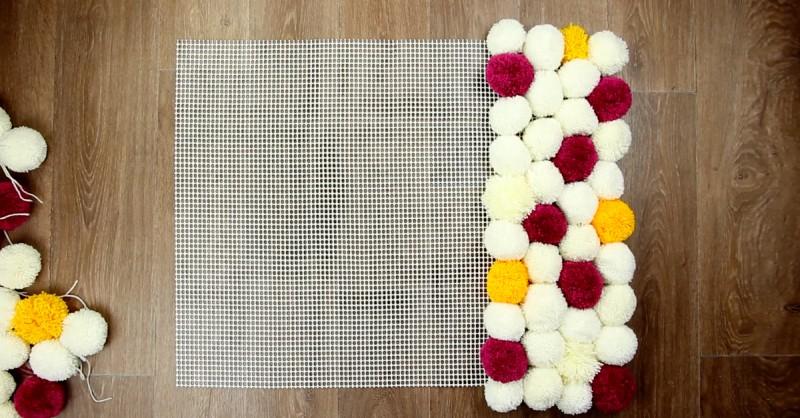 enroulez la laine autour de deux rouleaux de papier. Black Bedroom Furniture Sets. Home Design Ideas