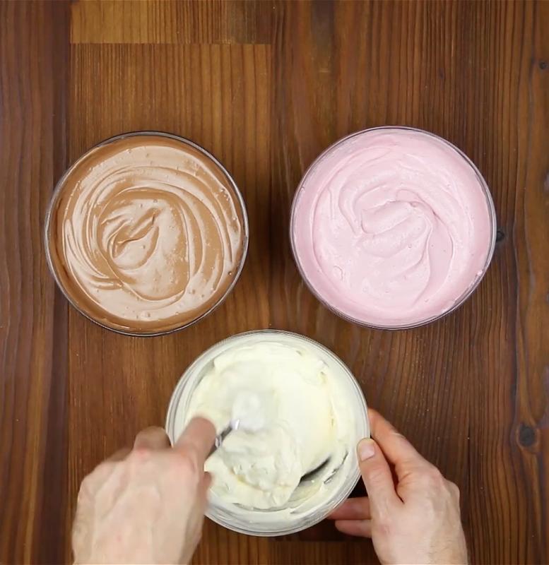 bols de crème fouettée nuetlla et fraise