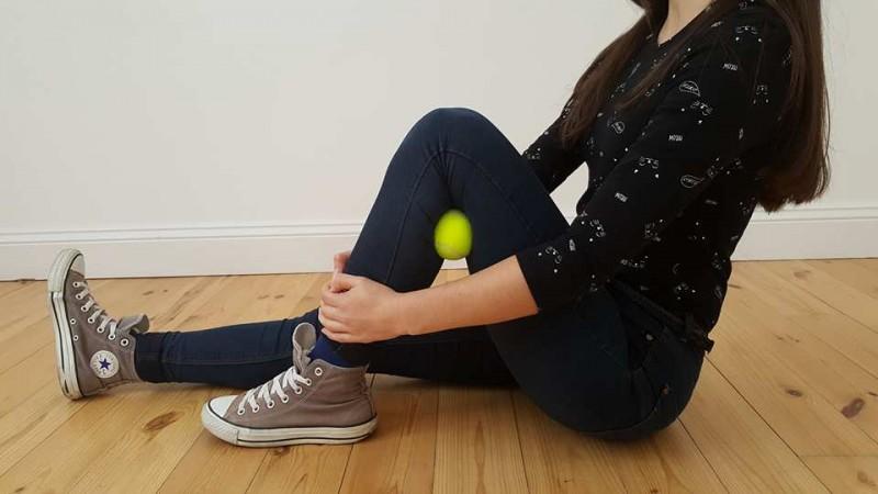 7 exercices bien simples à faire avec une balle de tennis afin de chasser la douleur à différents endroits de votre corps. - 5