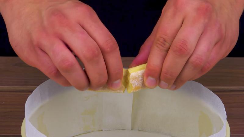 couper un boudoir à mettre dans le moule
