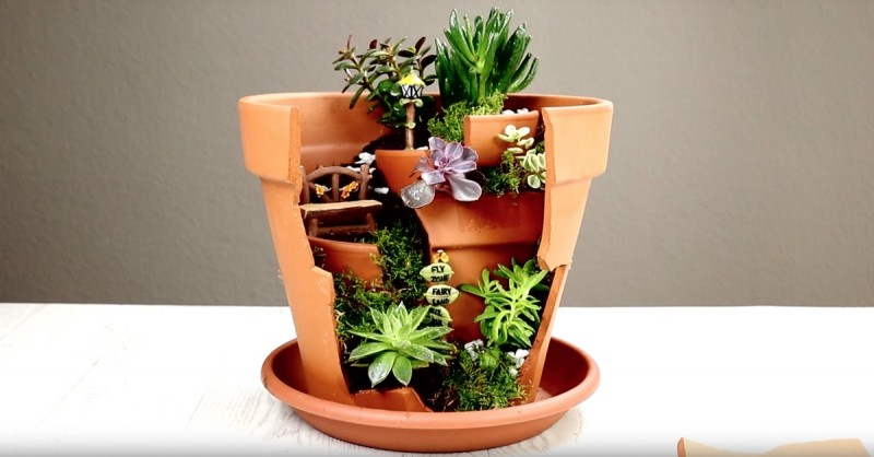 Transformez un pot de fleurs cassé en un jardin féérique 07fe1ff37b5d704f9bca98819221edf5-800x418