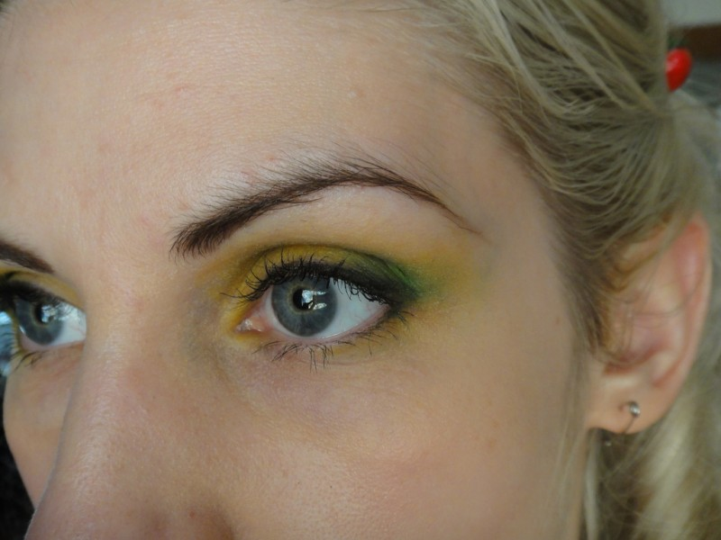 5 tips to fight against falling eyelids 2