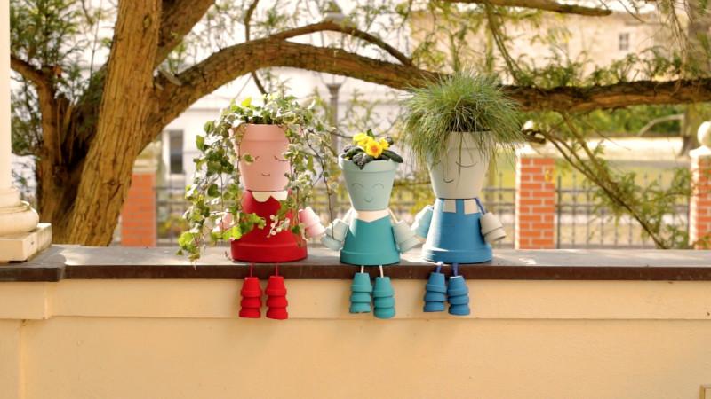 Poupées pots de fleurs    9d16d1e87c517433fccb7894ebd2e59a-800x450