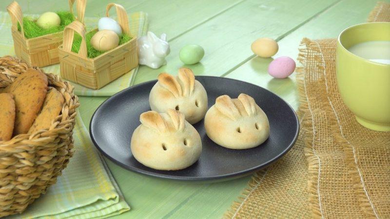 3 lapins au babybel sur une assiette