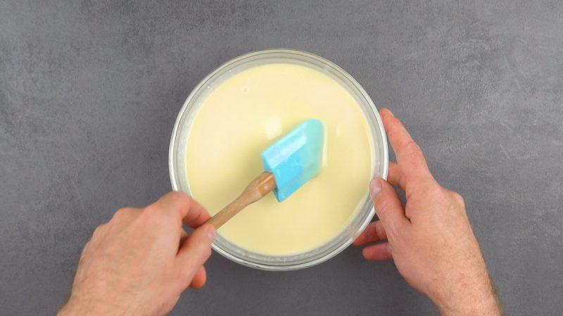 mélanger les ingrédients pour la crème