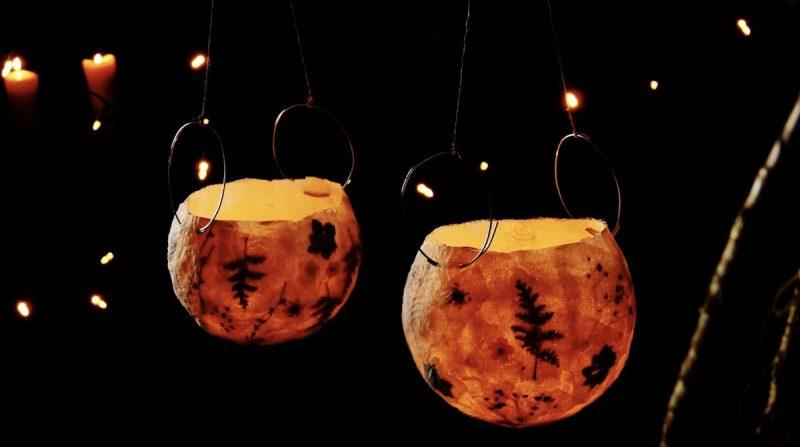 lampes à fleurs suspendues DIY terminées