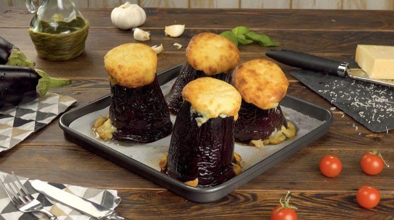 Petits volcans : aubergines, remplies de bolognaise