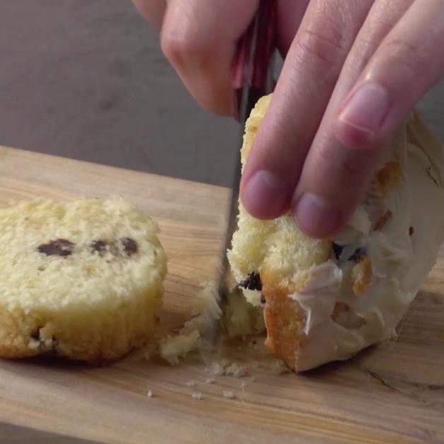 Couper le bas du cupcake