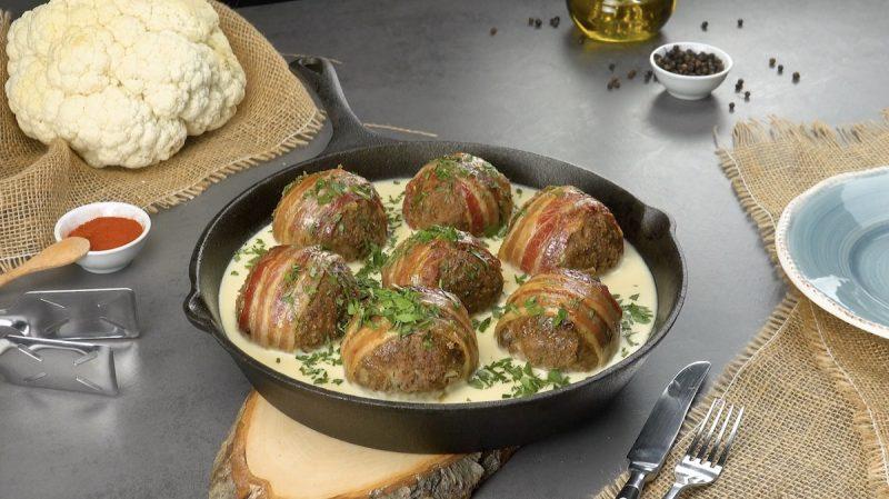 Boulettes de chou-fleur avec viande hachée et lard
