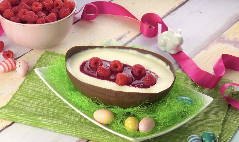 œuf au chocolat avec cœur crémeux et fruité