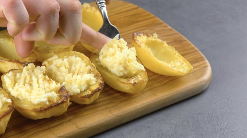 pommes de terre farcies avec de la purée