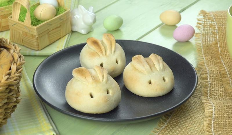 3 lapins au fromage sur une assiette
