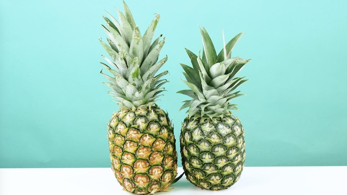 2 ananas, un mûr, l'autre non