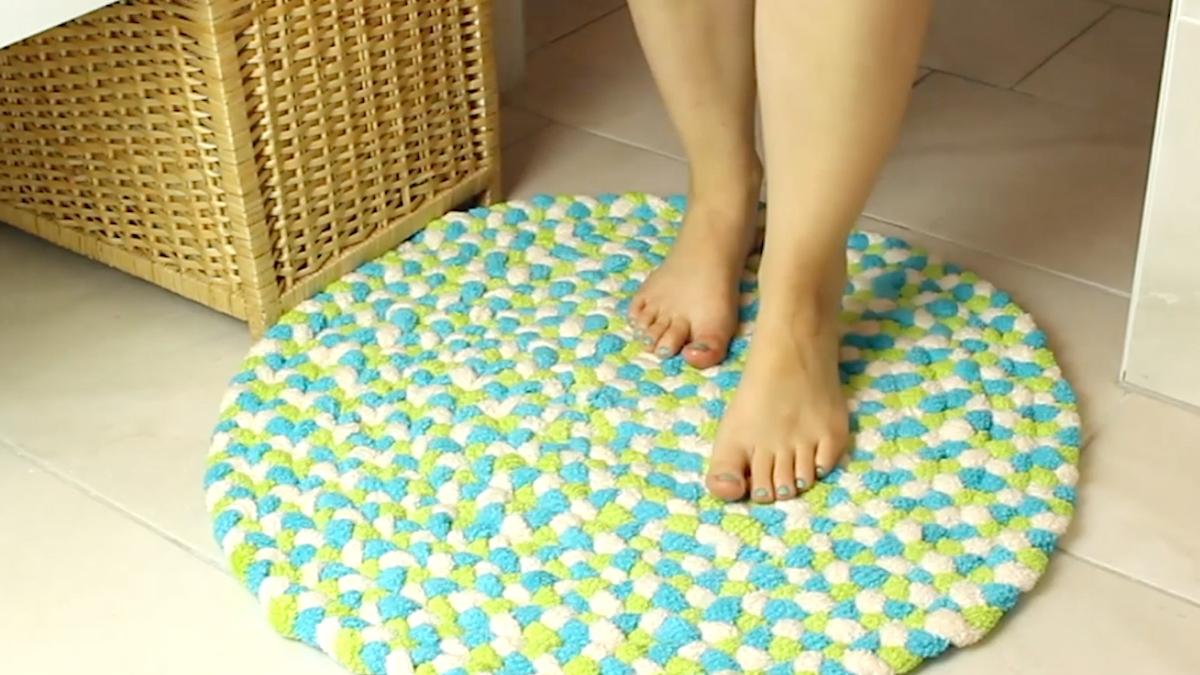 tapis de douche coloré fait maison