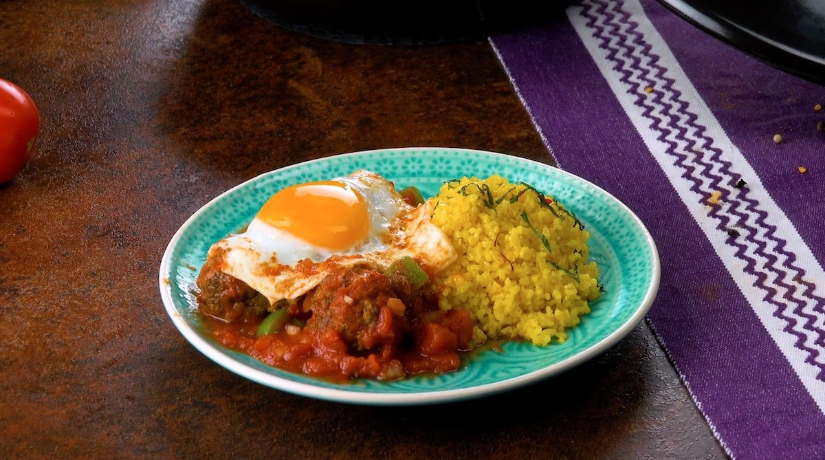 tajine marocain avec semoule et œufs