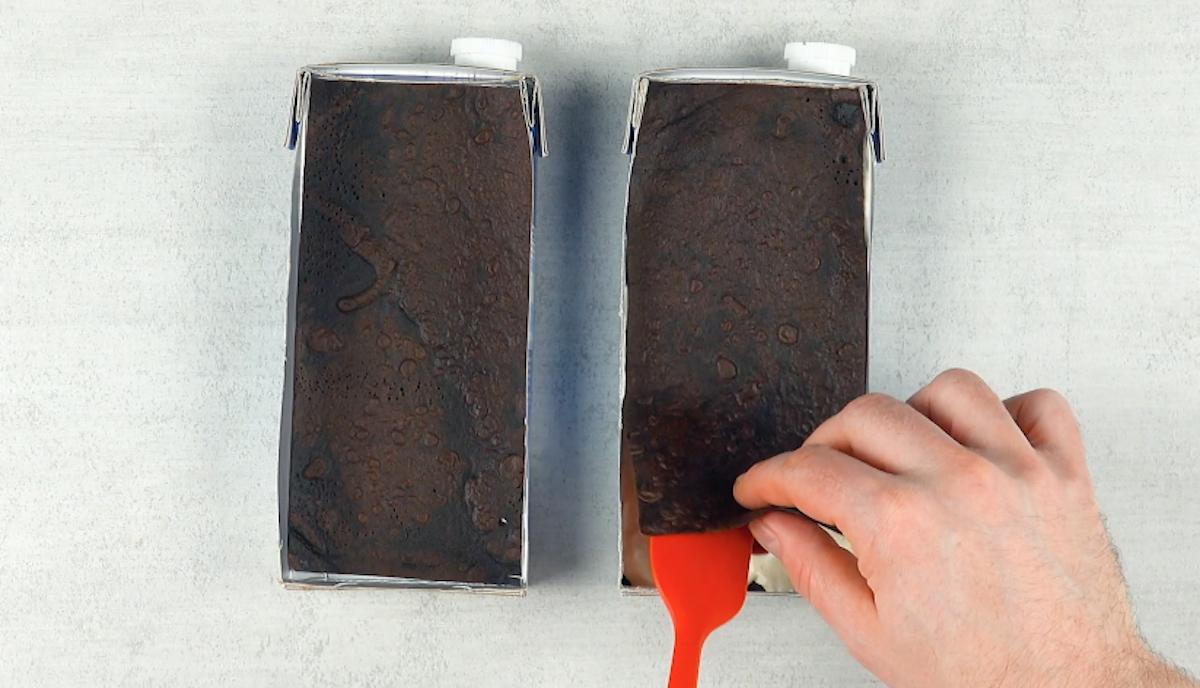 mettre une crêpe sur le brownie