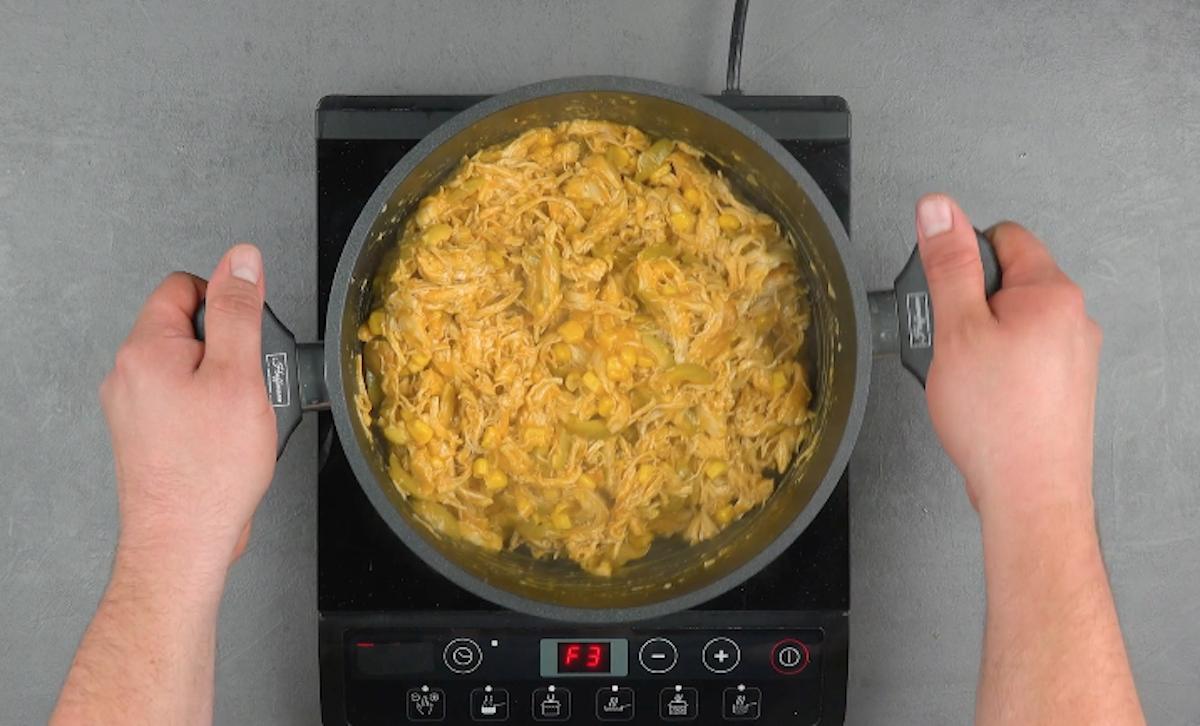 faire cuire le tout jusqu'à ce que le mélange soit épais