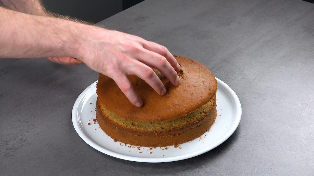 couper le gâteau en 2