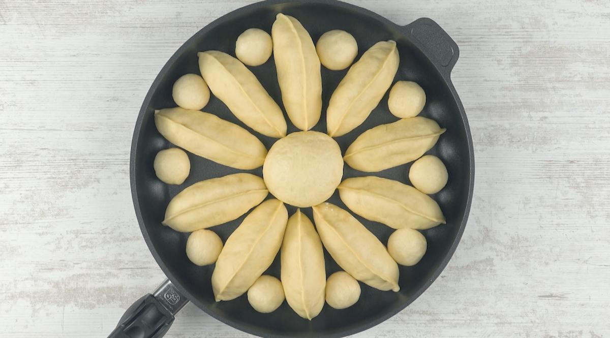 mettre toute la pâte dans une poêle