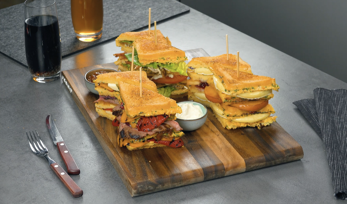 3 sandwichs XXL avec différentes garnitures