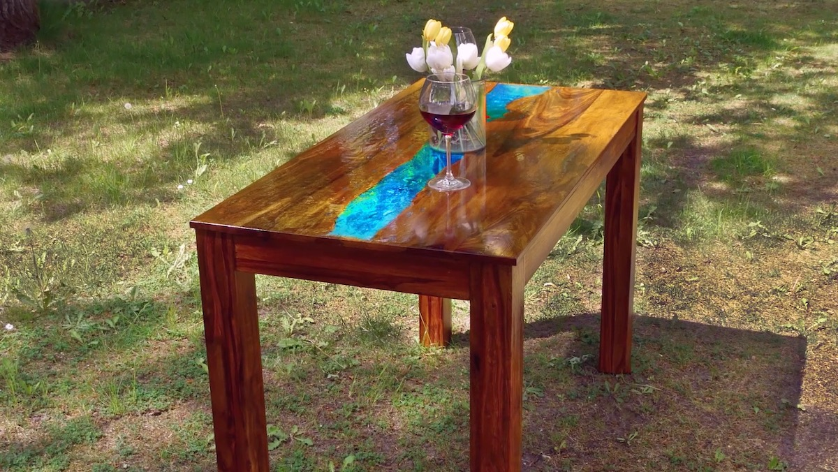 phosphorescent table
