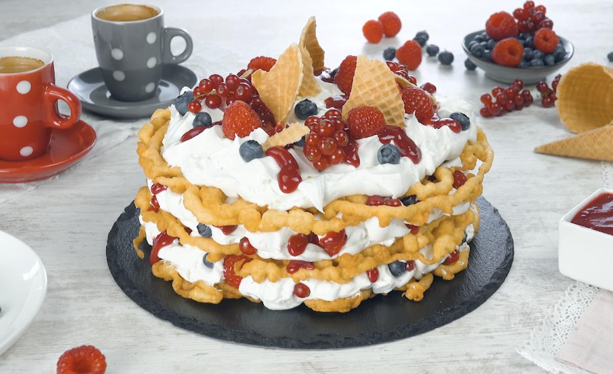 funnel cake à la crème et aux fruits
