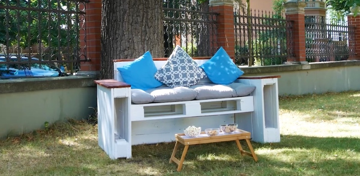 bench seat with pallets