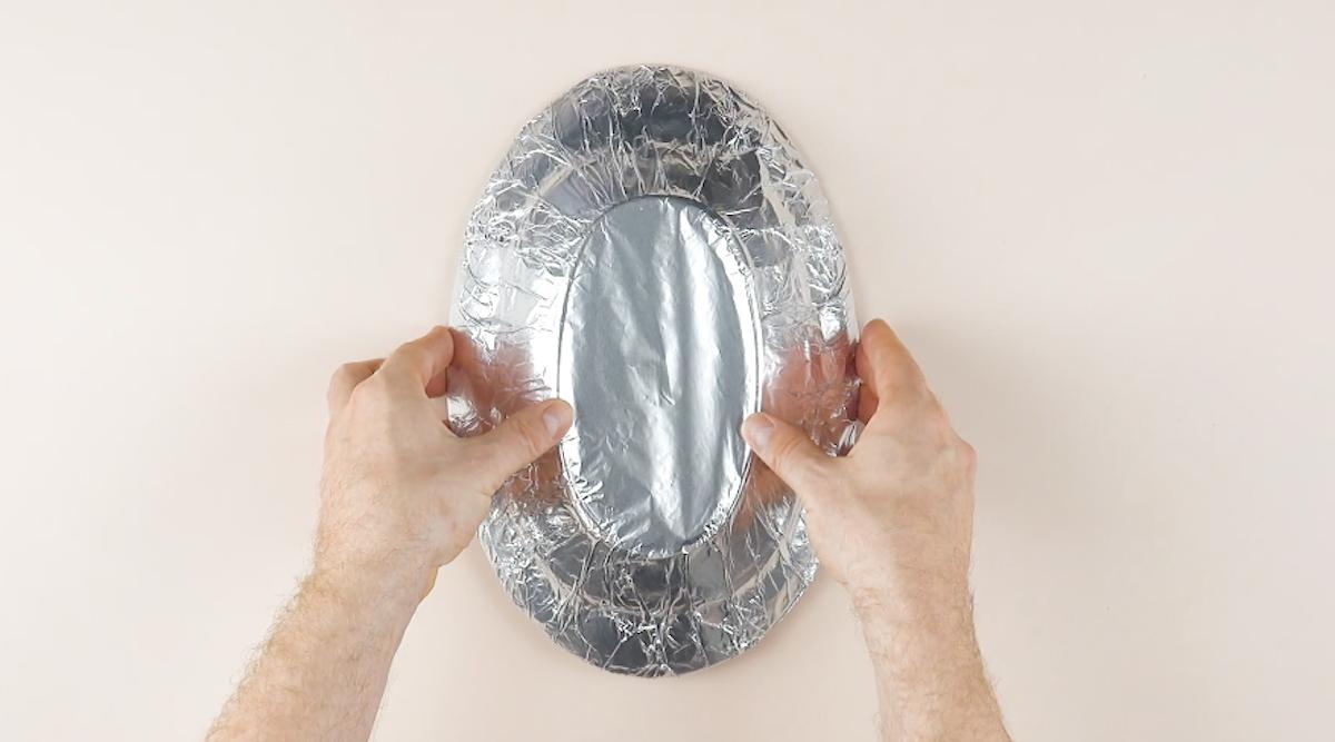 recouvrir une assette de papier alu