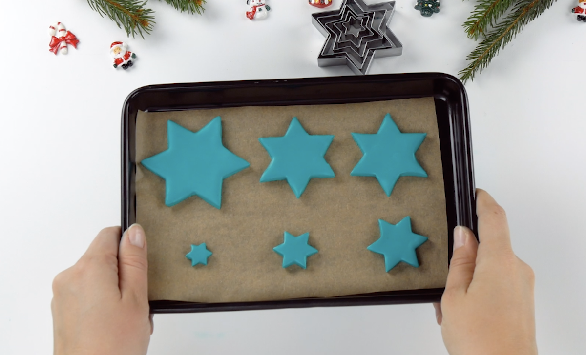 to make stars out of salt dough