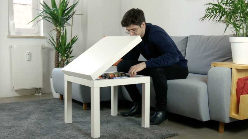 table IKEA avec compartiment secret