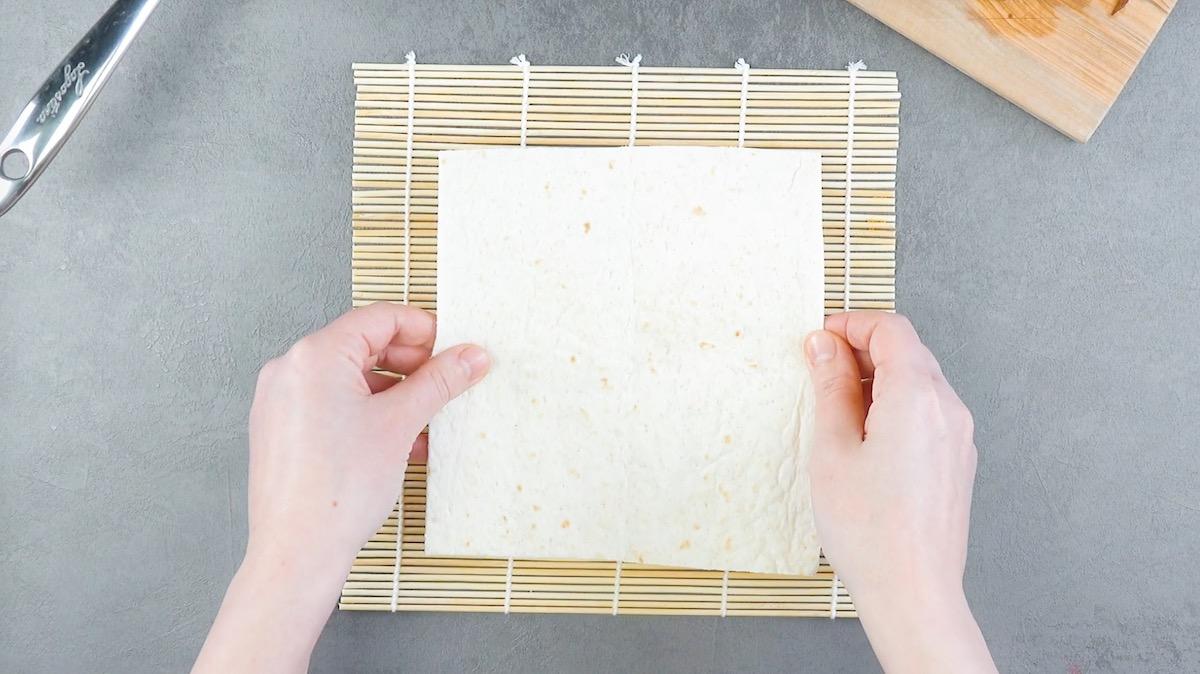 couper les tortillas en carré