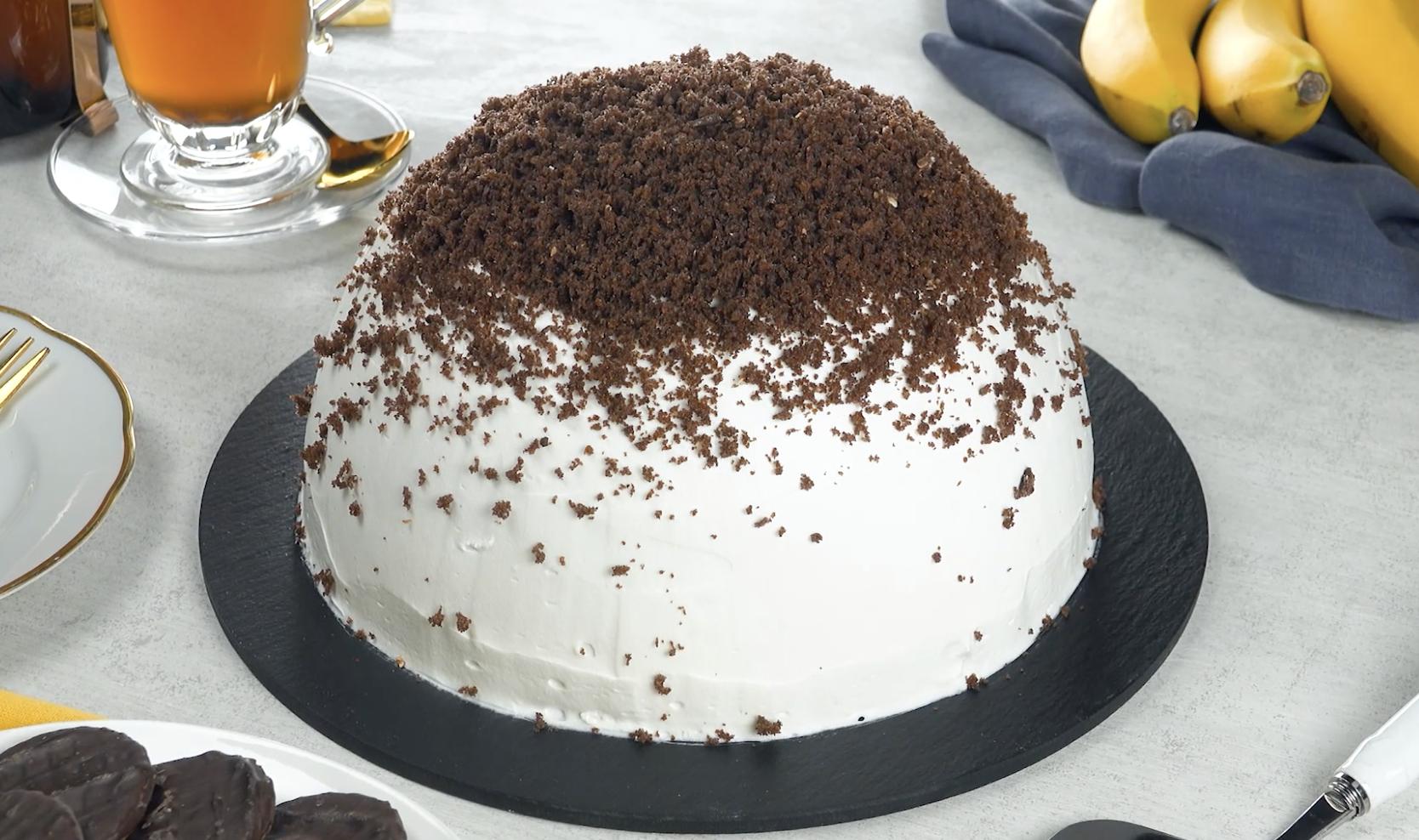 Gâteau taupinière avec cœur au chocolat liquide et bananes