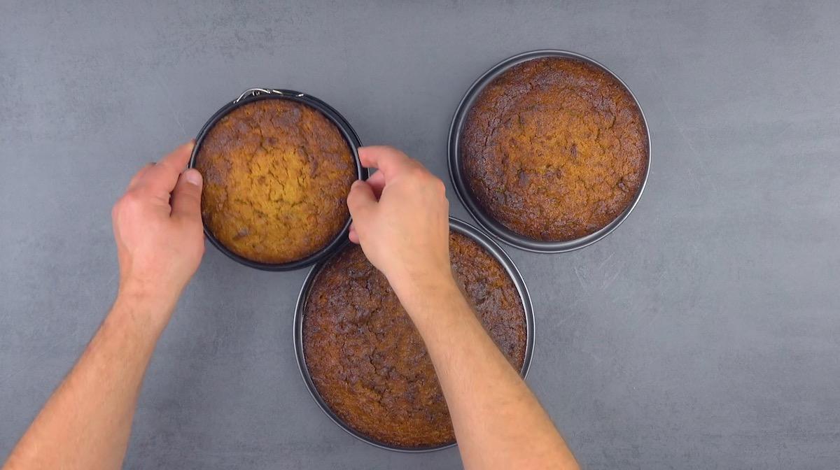 cuire 3 gâteaux de tailles différentes