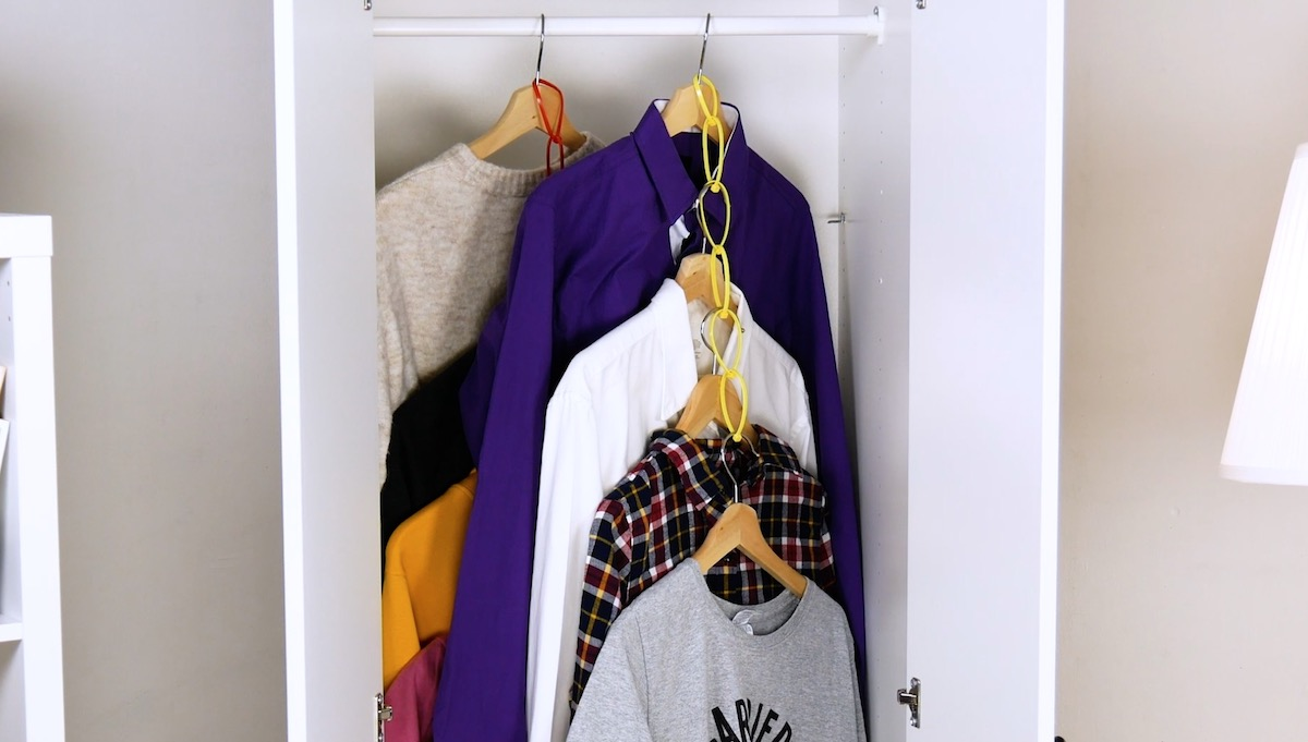 More storage space in the cabinet with cable ties