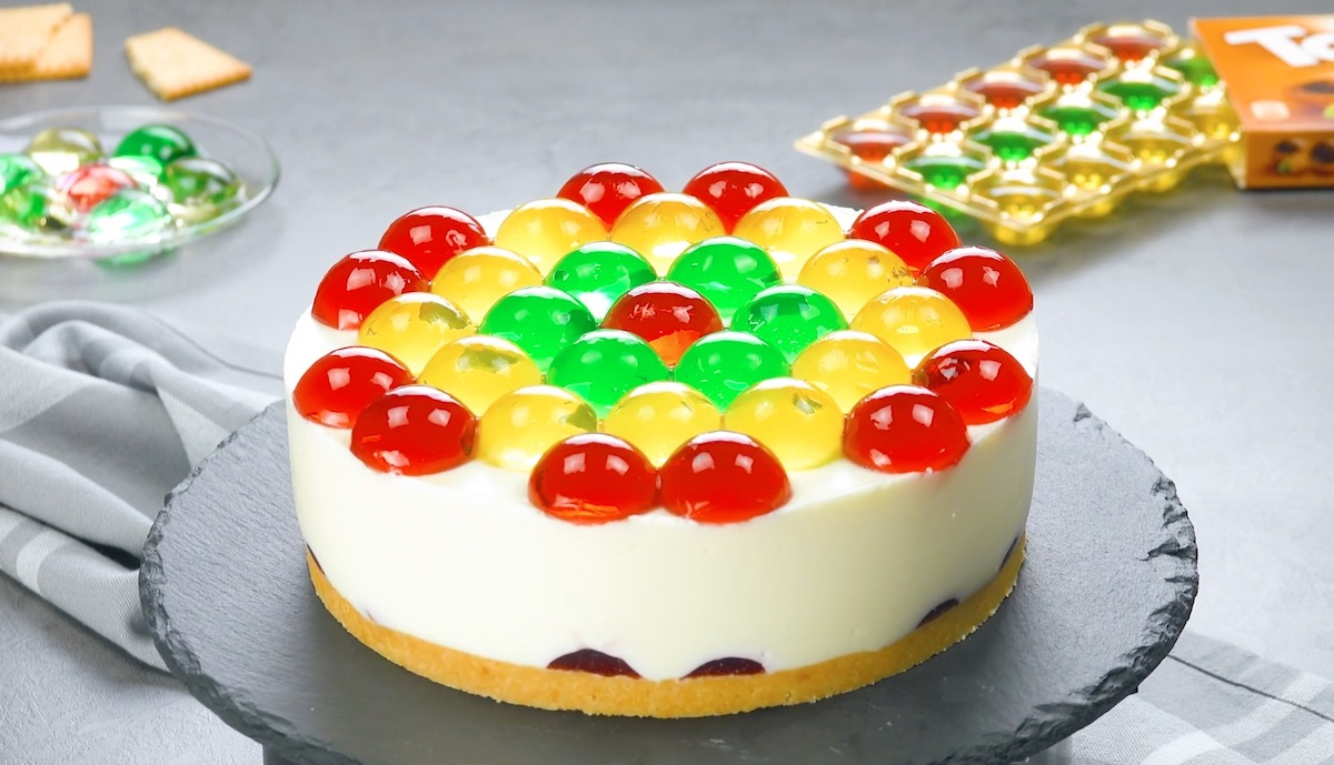 gâteau à la gélatine et à la crème