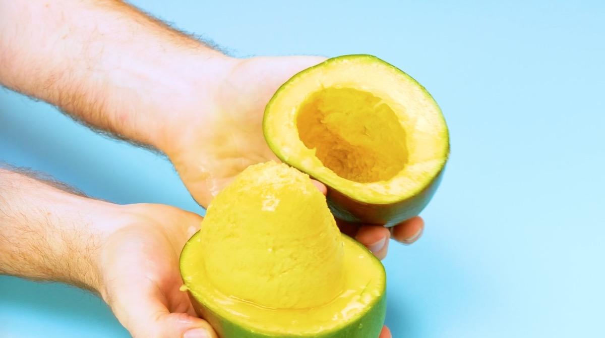 Couper une mangue