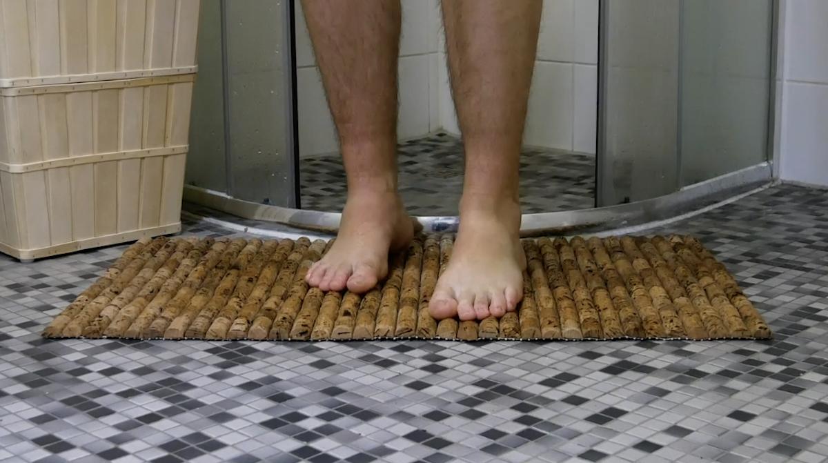 Tapis de bain avec des bouchons de liège