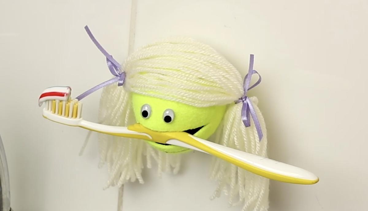 crochets originaux fabriqués à partir de balles de tennis
