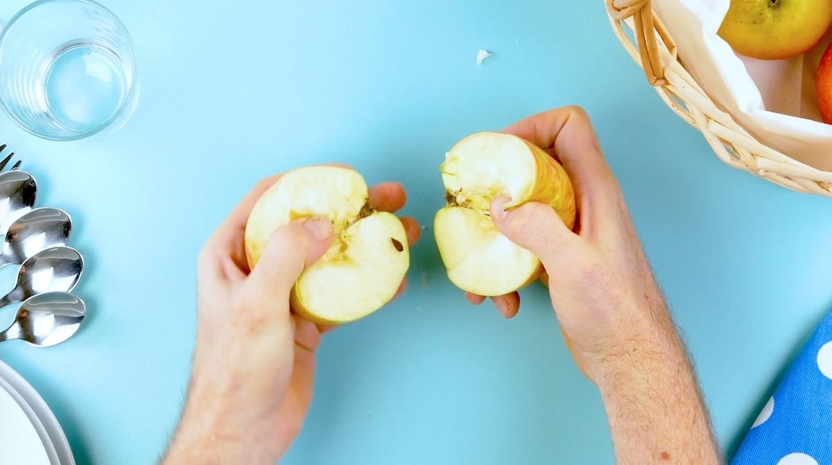 Coupez une pomme en deux