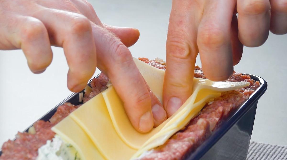 ajouter des tranches de fromage