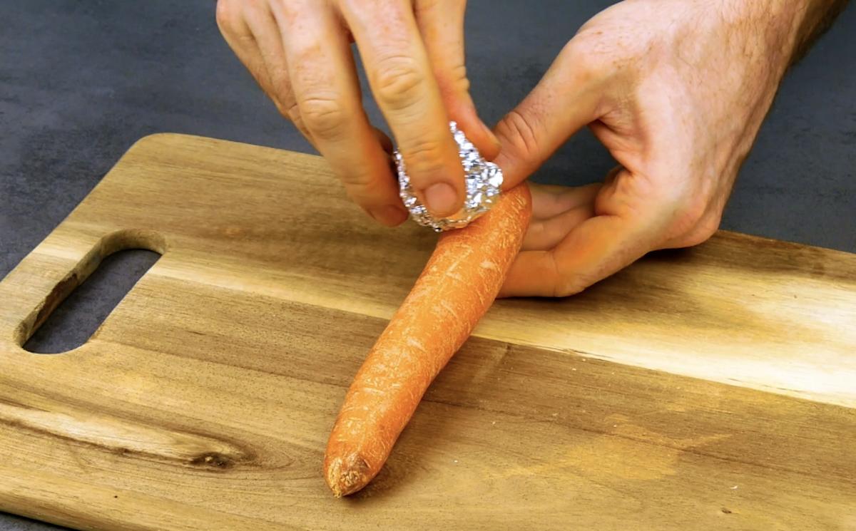 Éplucher les carottes