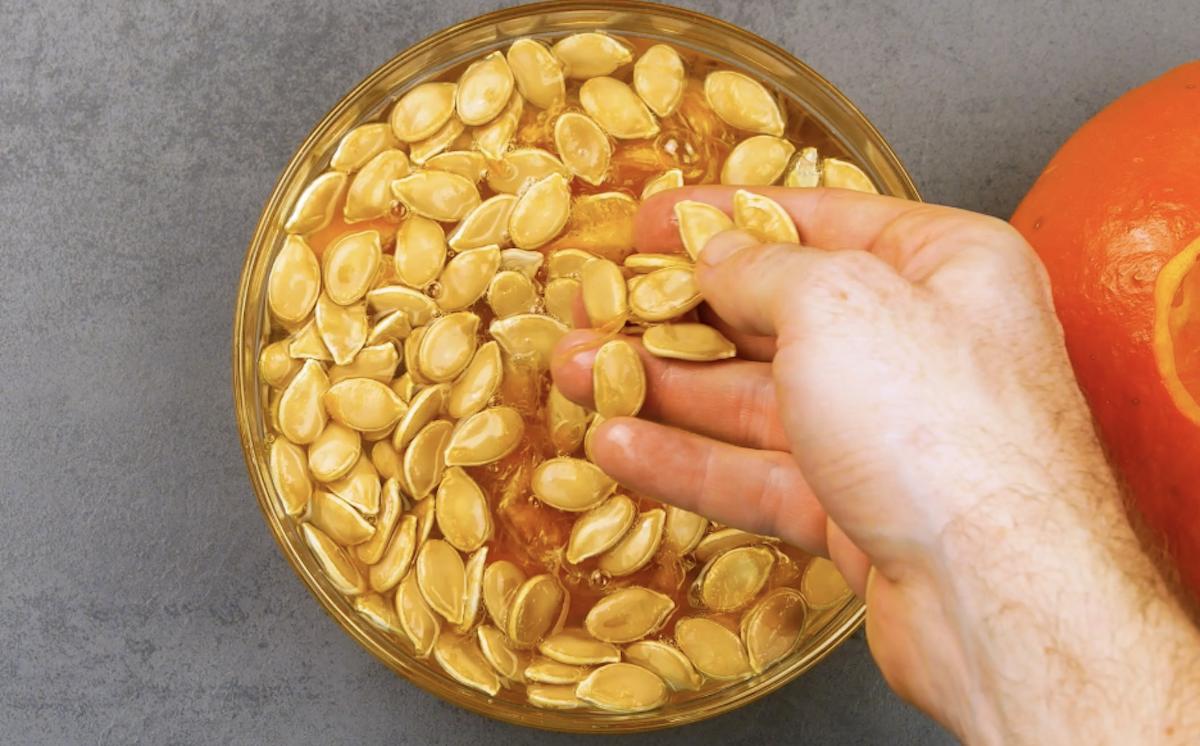 Nettoyer les graines de citrouille