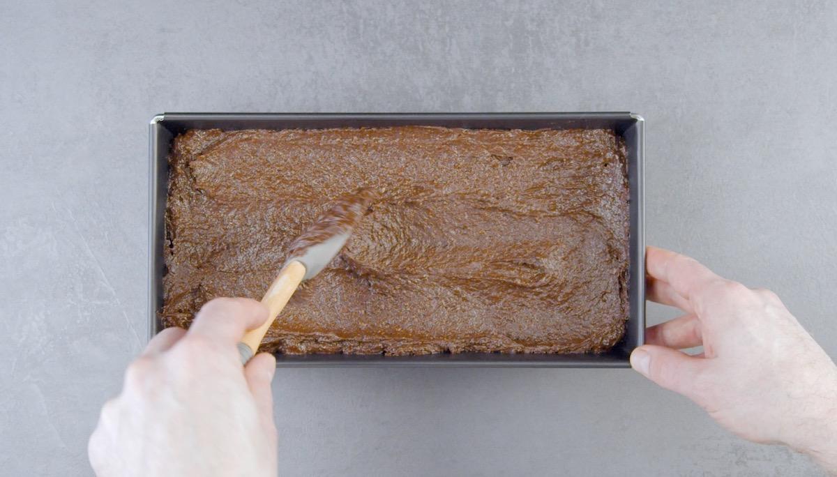 préparer la pâte du gâteau au chocolat