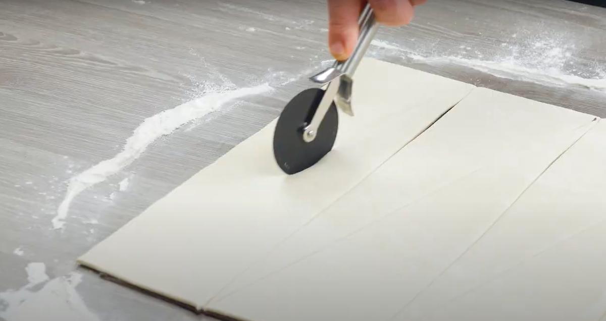 tracer des triangles dans la pâte