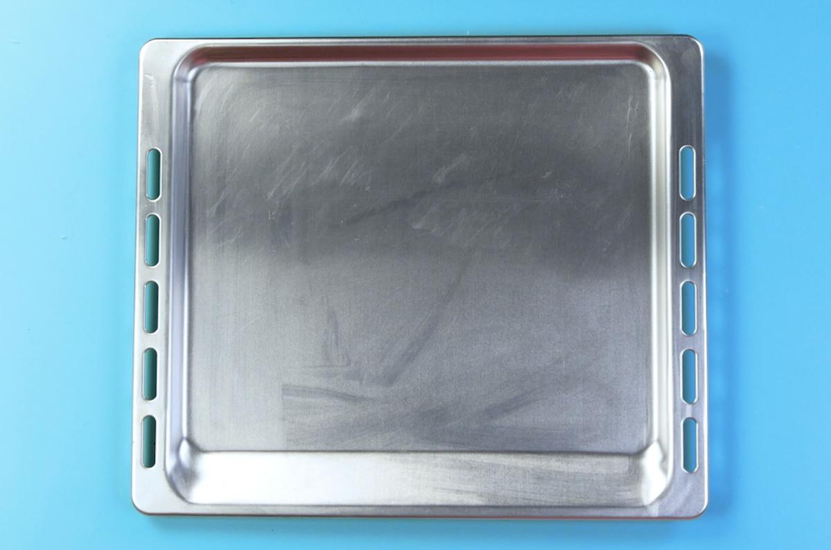 plaque à pâtisserie propre