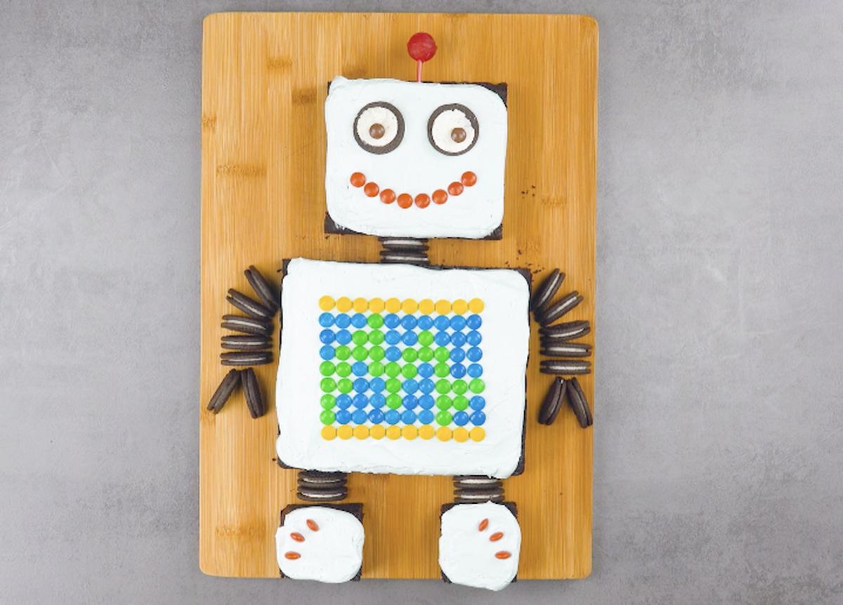 gâteau en forme de robot